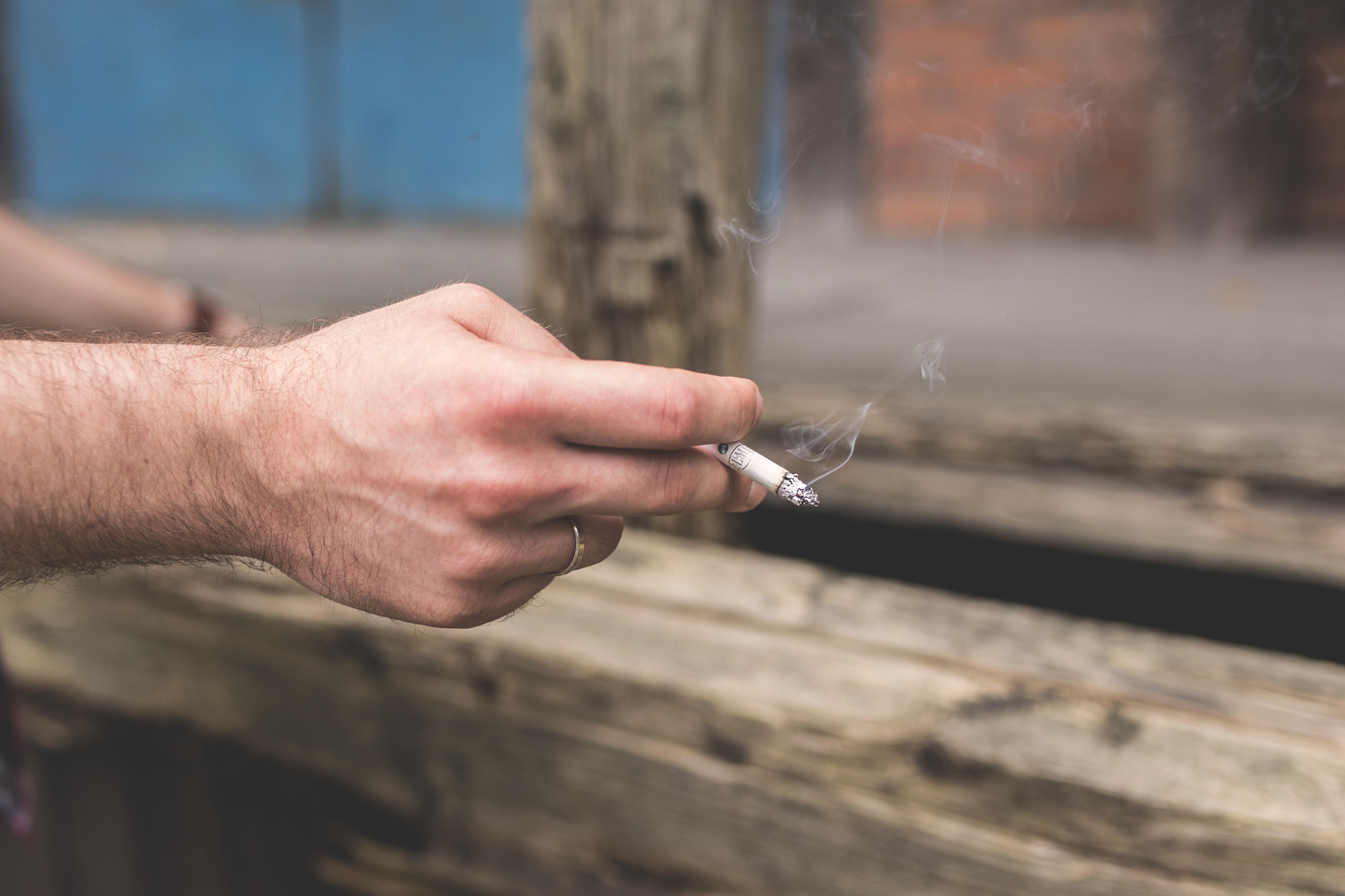 V Česku se testuje nová aplikace, pomůže s odvykáním kouření
