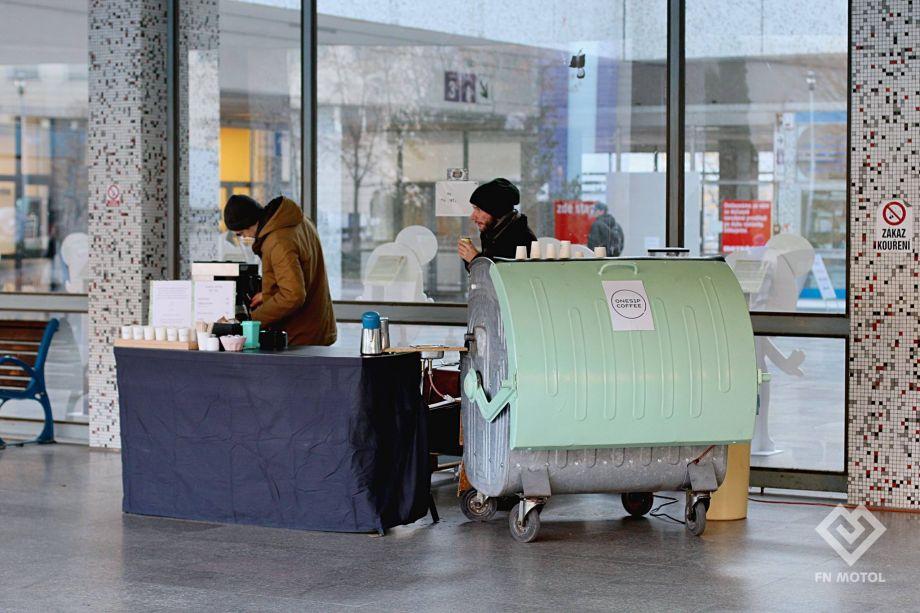 Baristé přispějí prodejem kávy na urologickou kliniku v Motole