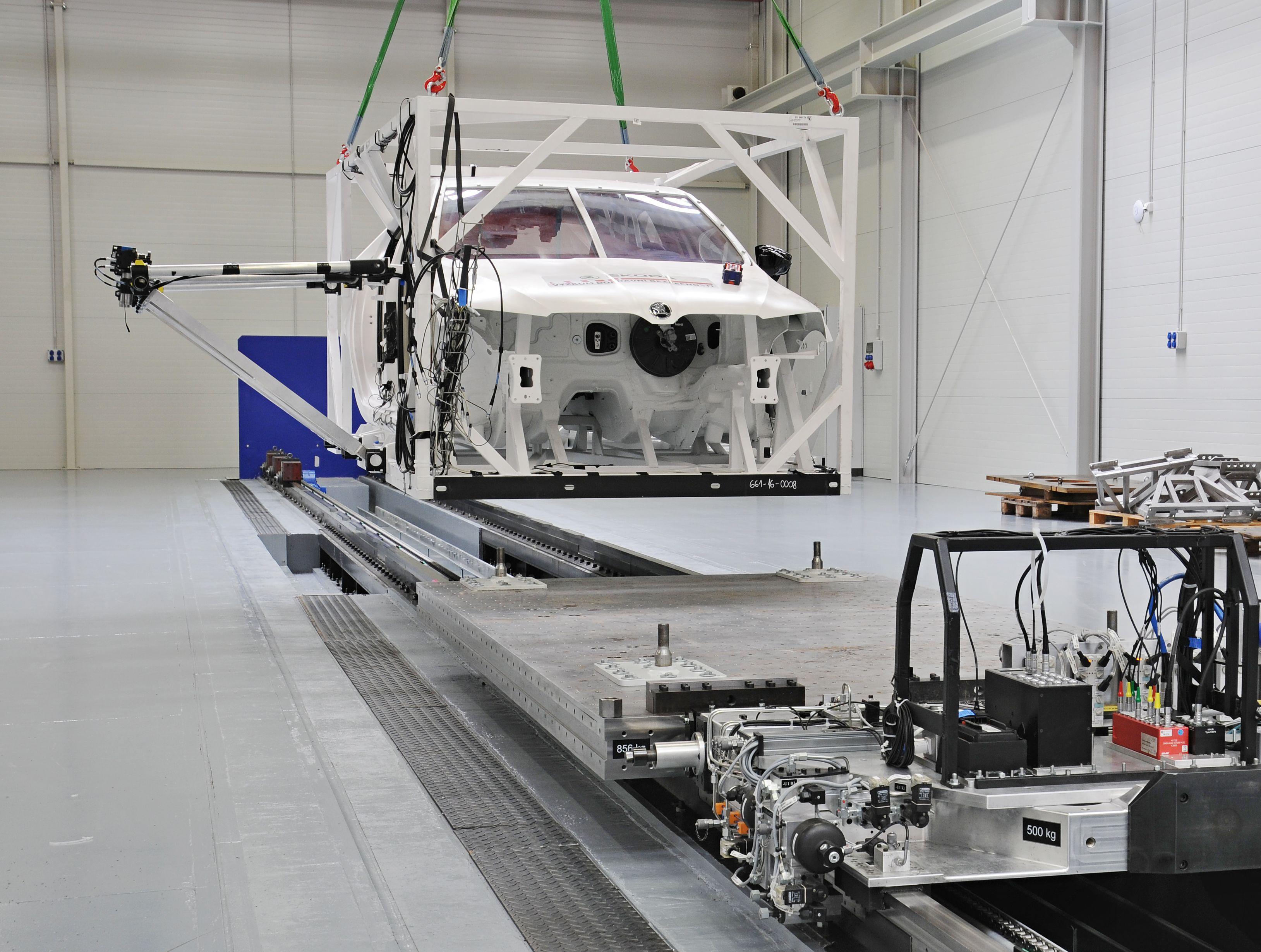 V Mladé Boleslavi funguje laboratoř na nedestruktivní testování vozidel