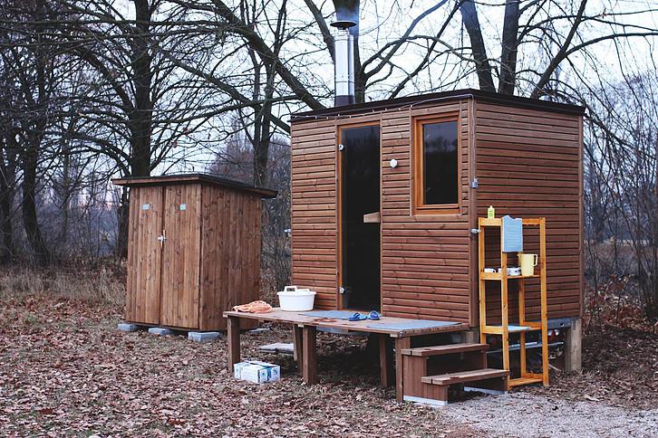 V Hradci se otevřela unikátní venkovní sauna pro veřejnost