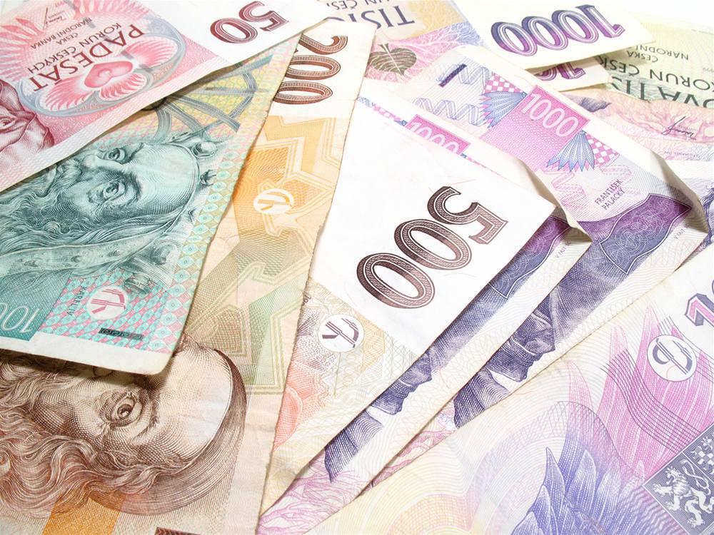 Průměrná mzda v Česku vzrostla na konci loňského roku o 4,2 procenta