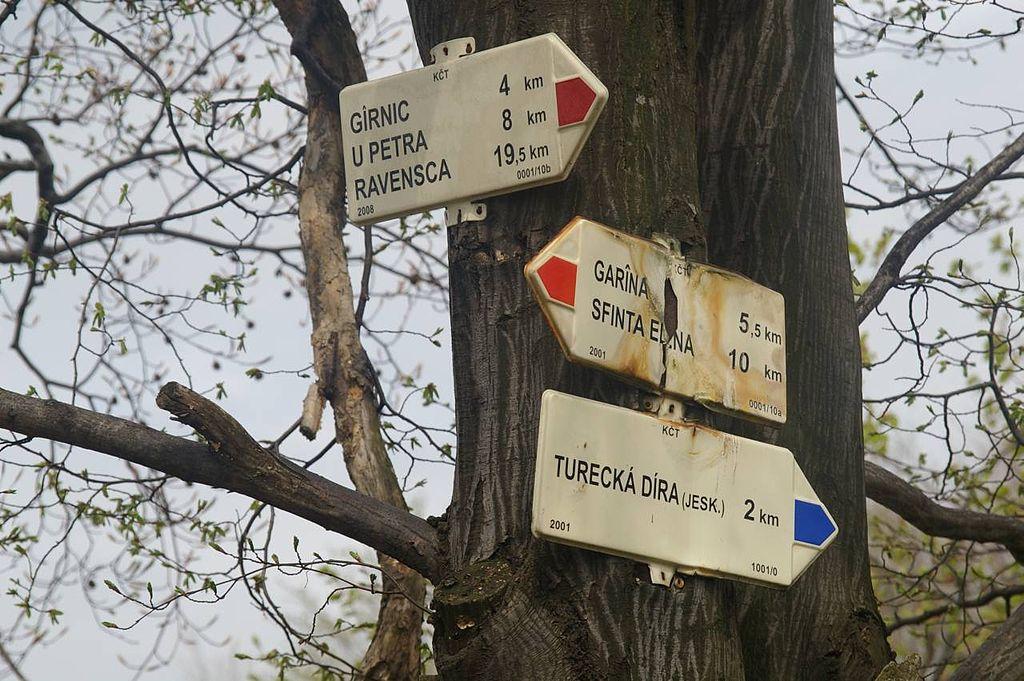 Čeští dobrovolníci budují turistické trasy po celém světě