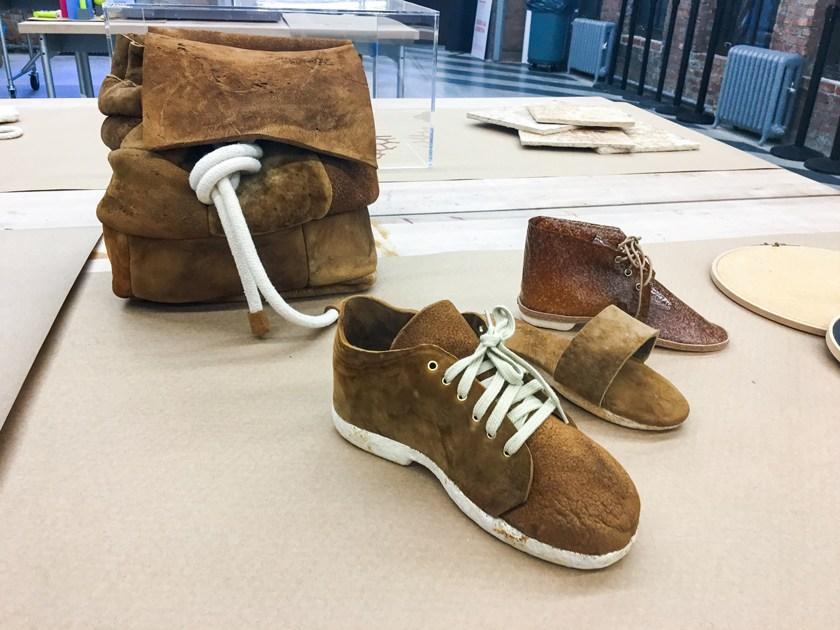Ital využívá houby jako materiál, vyrábí z nich i boty