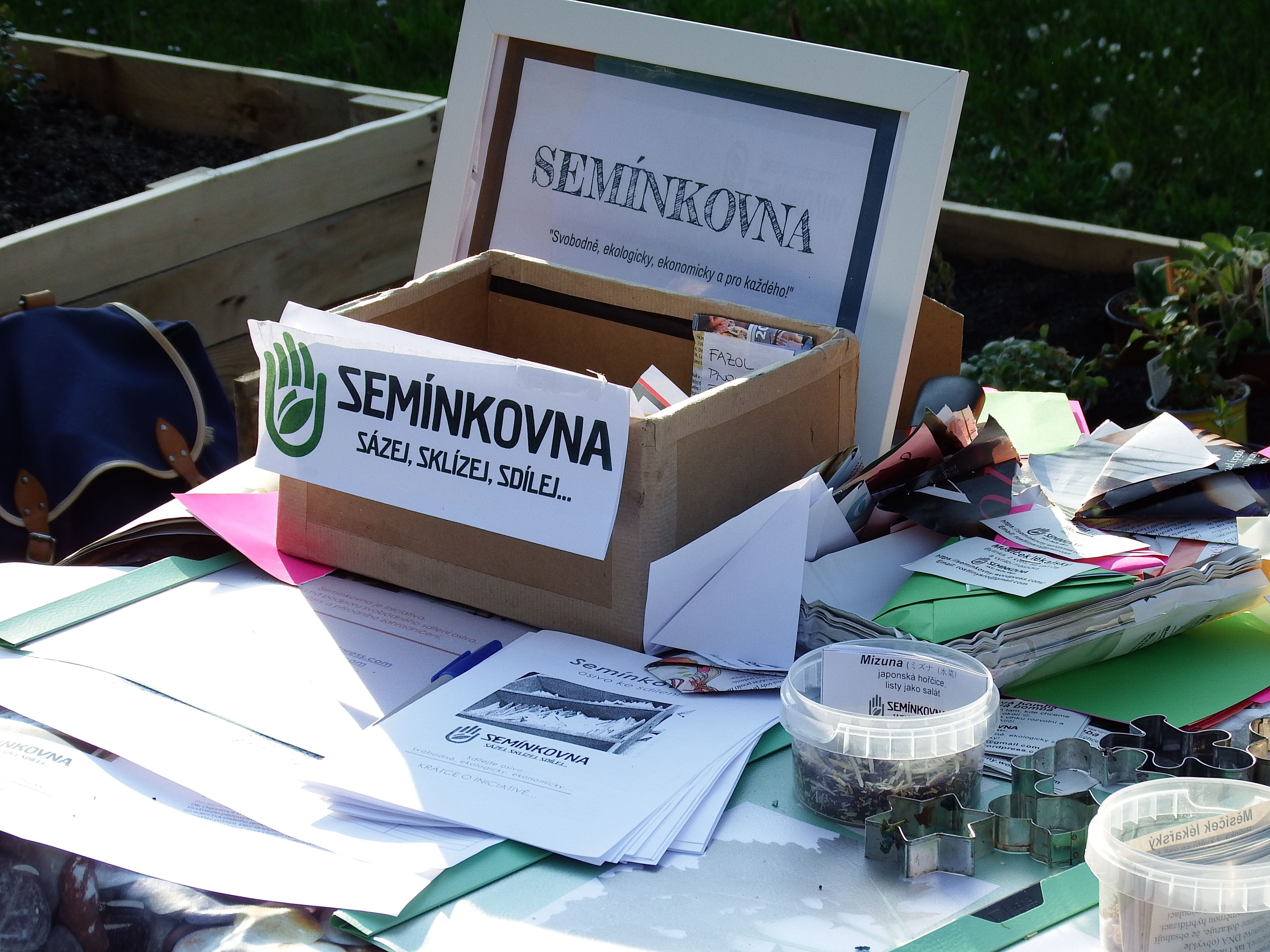 Nechceme, aby se umění domácího semenaření vytratilo, říká zakladatelka Semínkovny Klára Hrdá