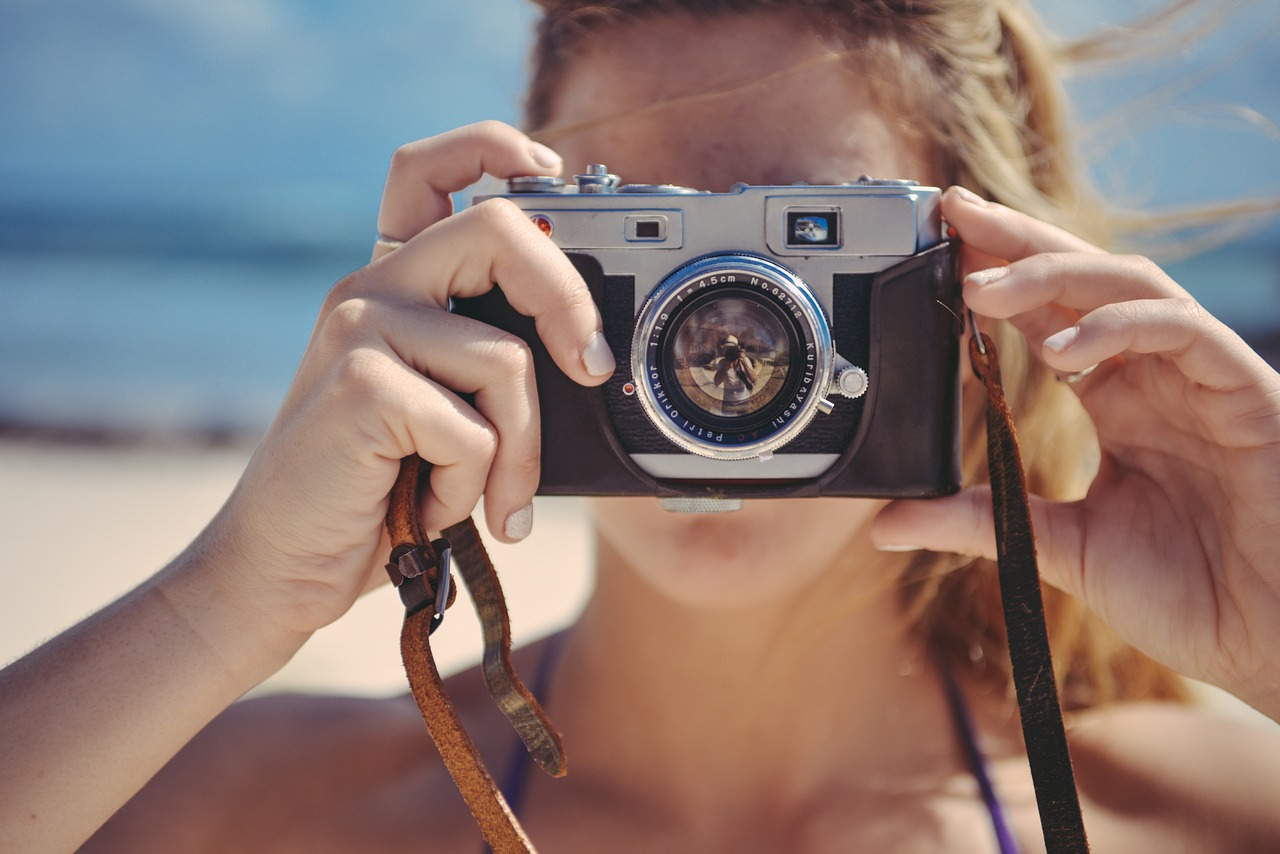 Focení zážitků zlepšuje vizuální paměť, ukazuje studie
