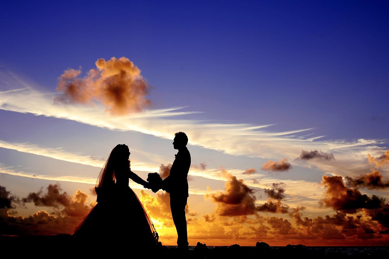 Po dvaceti letech požádal mladík svou dětskou lásku o ruku