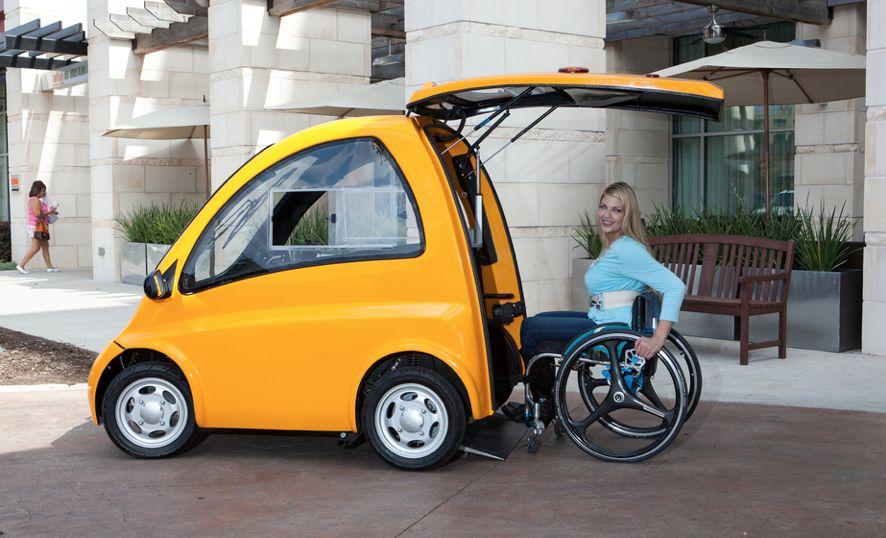 Nový prototyp auta usnadňuje cestování vozíčkářům