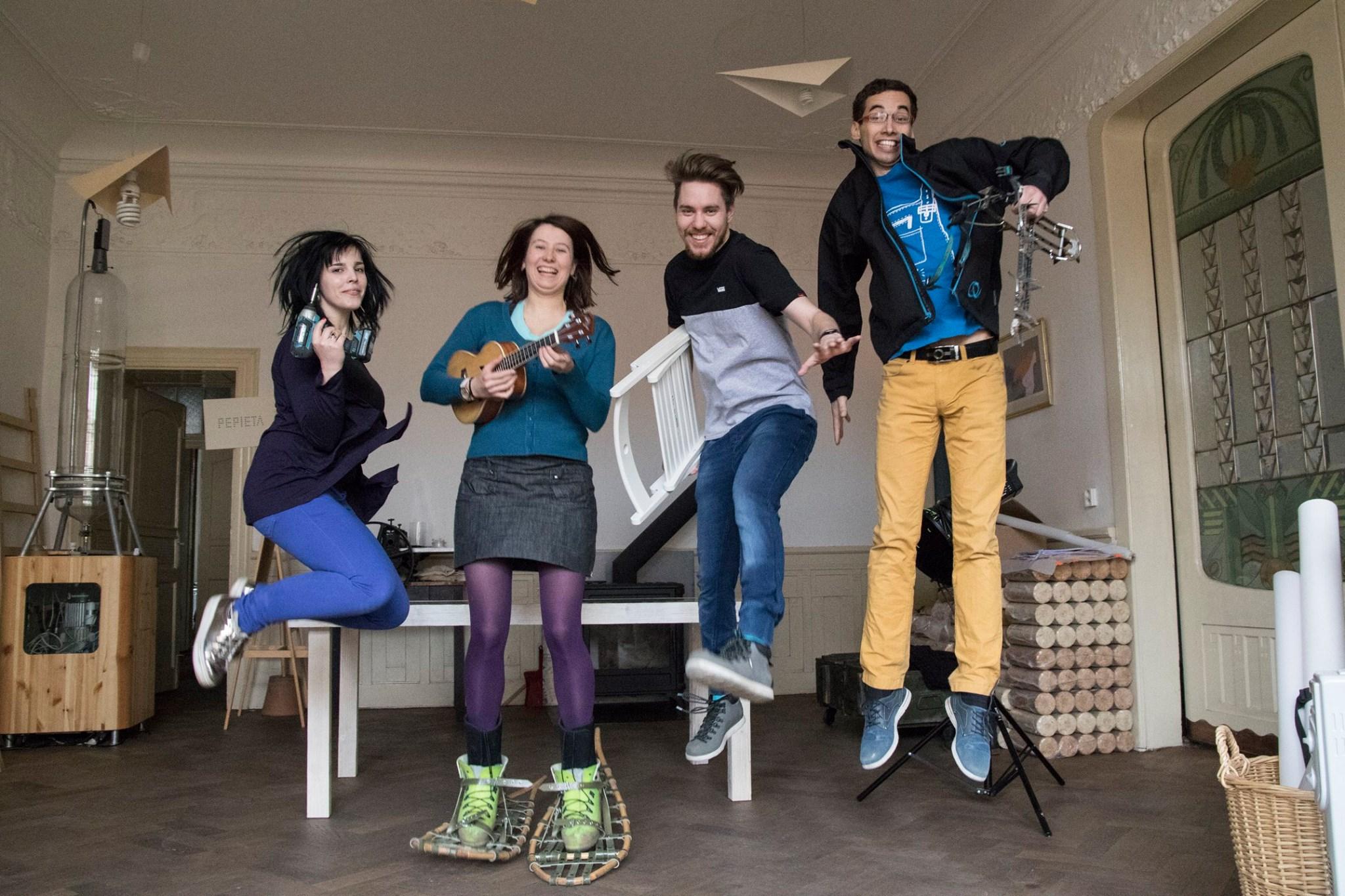 V Praze se otevřela další knihovna věcí, podporuje sdílení