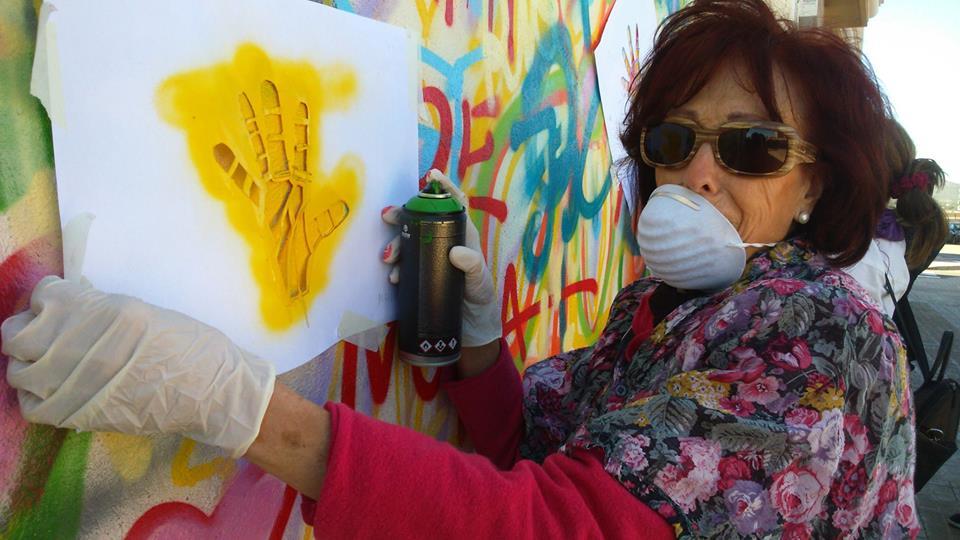 V portugalském projektu zdobí senioři ulice svým uměním