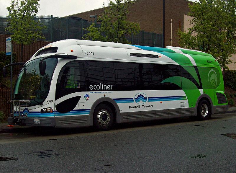 Dvanáct světových metropolí chce do osmi let používat pouze elektrobusy