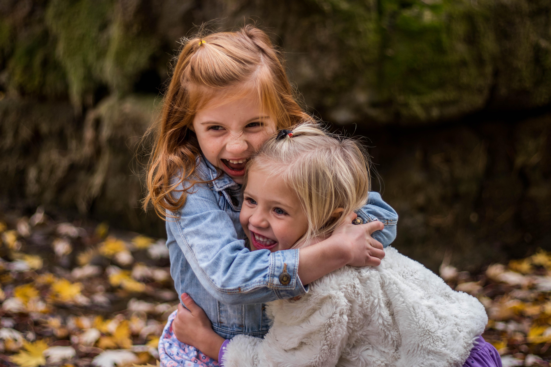 Objímání má významný vliv na zdravý vývoj dítěte