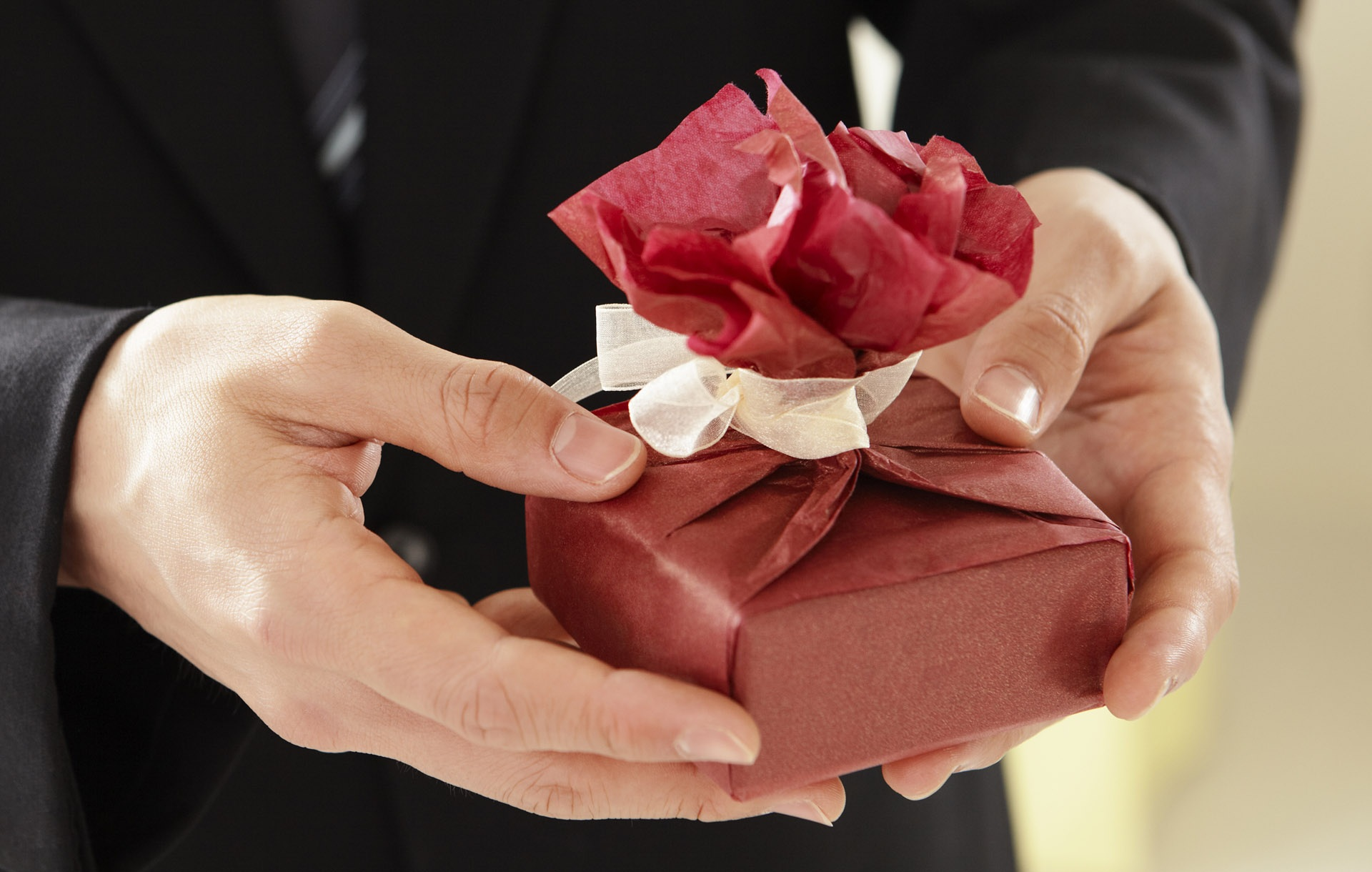 Obliba digitálního dárcovství v Česku nadále roste