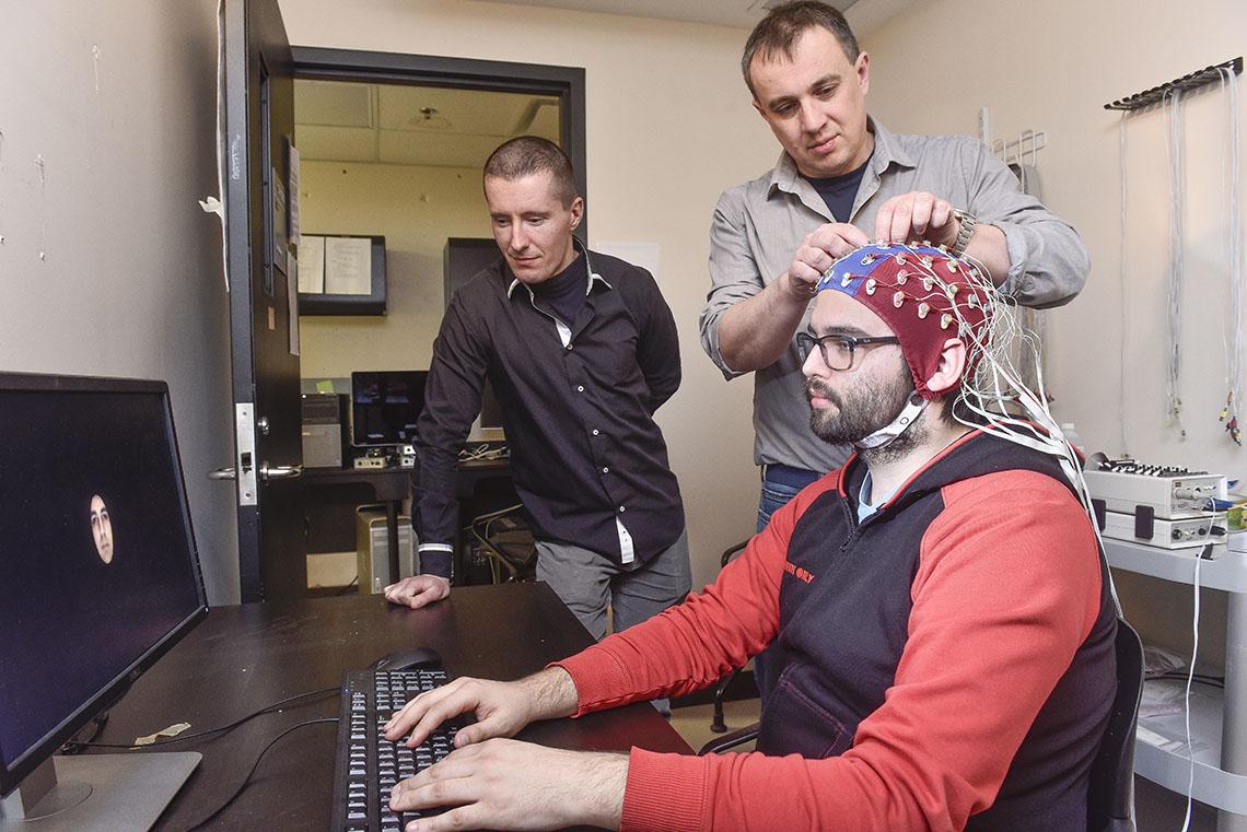 Nová technologie dokáže přetvořit lidské myšlenky v obrazy