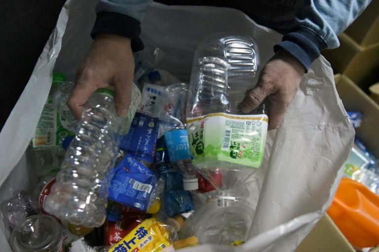 Tchaj-wan zakáže do roku 2030 plasty na jedno použití