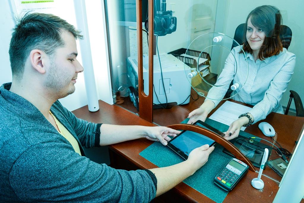 Nová služba pomůže neslyšícím v Plzni s komunikací na úřadech