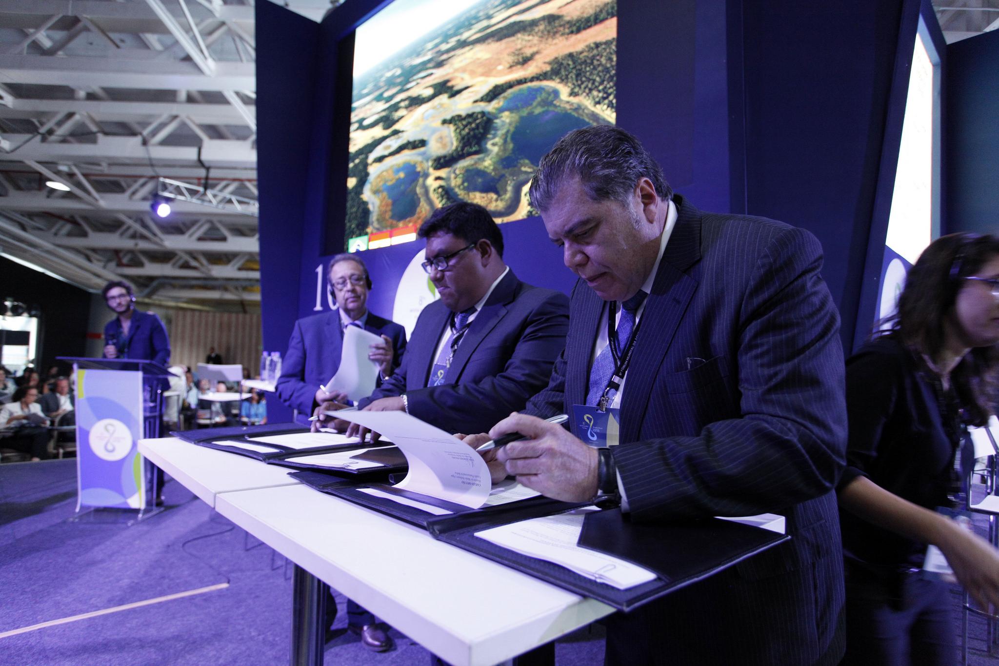 Tři státy podepsaly úmluvu na ochranu tropických mokřad