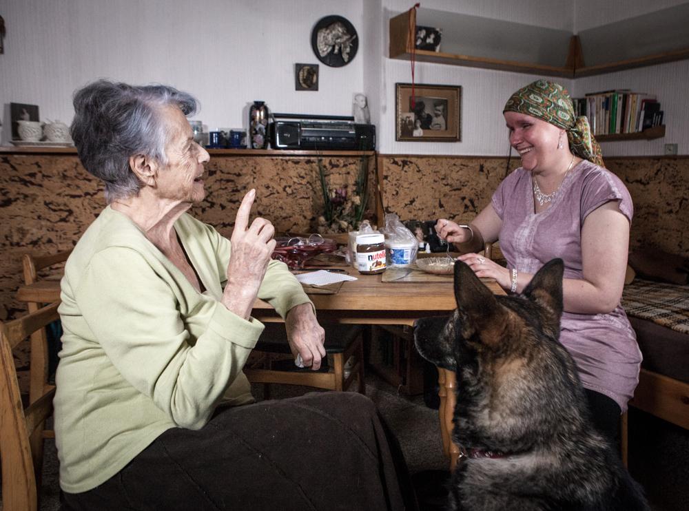 Projekt Návštěvy potmě propojuje světy nevidomých a seniorů