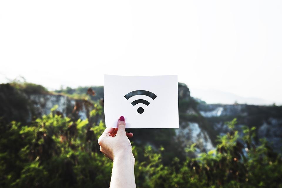 Nastupuje rychlá li-fi. Data přenáší pomocí světla