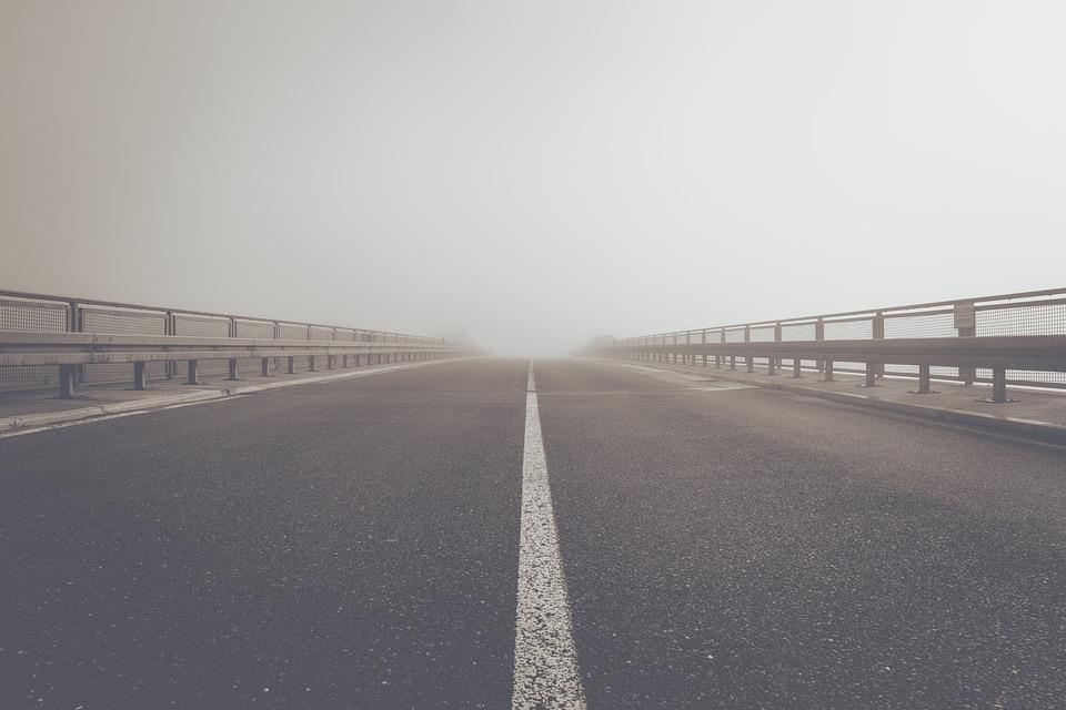 Ve Švédsku otevřeli první silnici, která dokáže dobíjet elektromobily