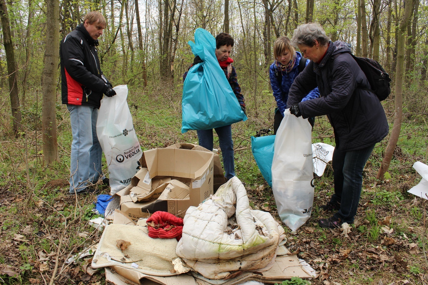 Dobrovolníci uklidí Česko. Loni se jich zapojilo skoro sto tisíc