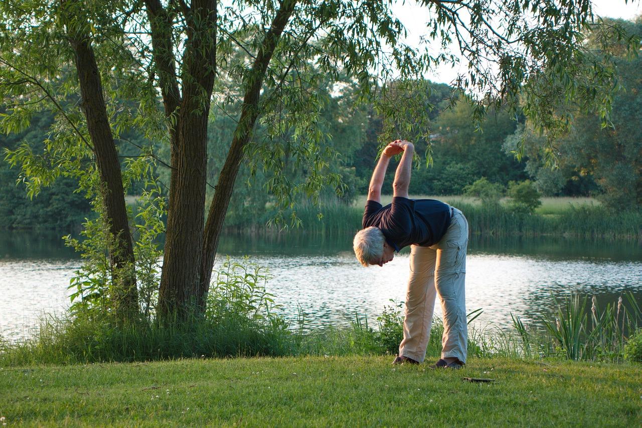 Senioři si mohou během jara zdarma zacvičit v pražských parcích