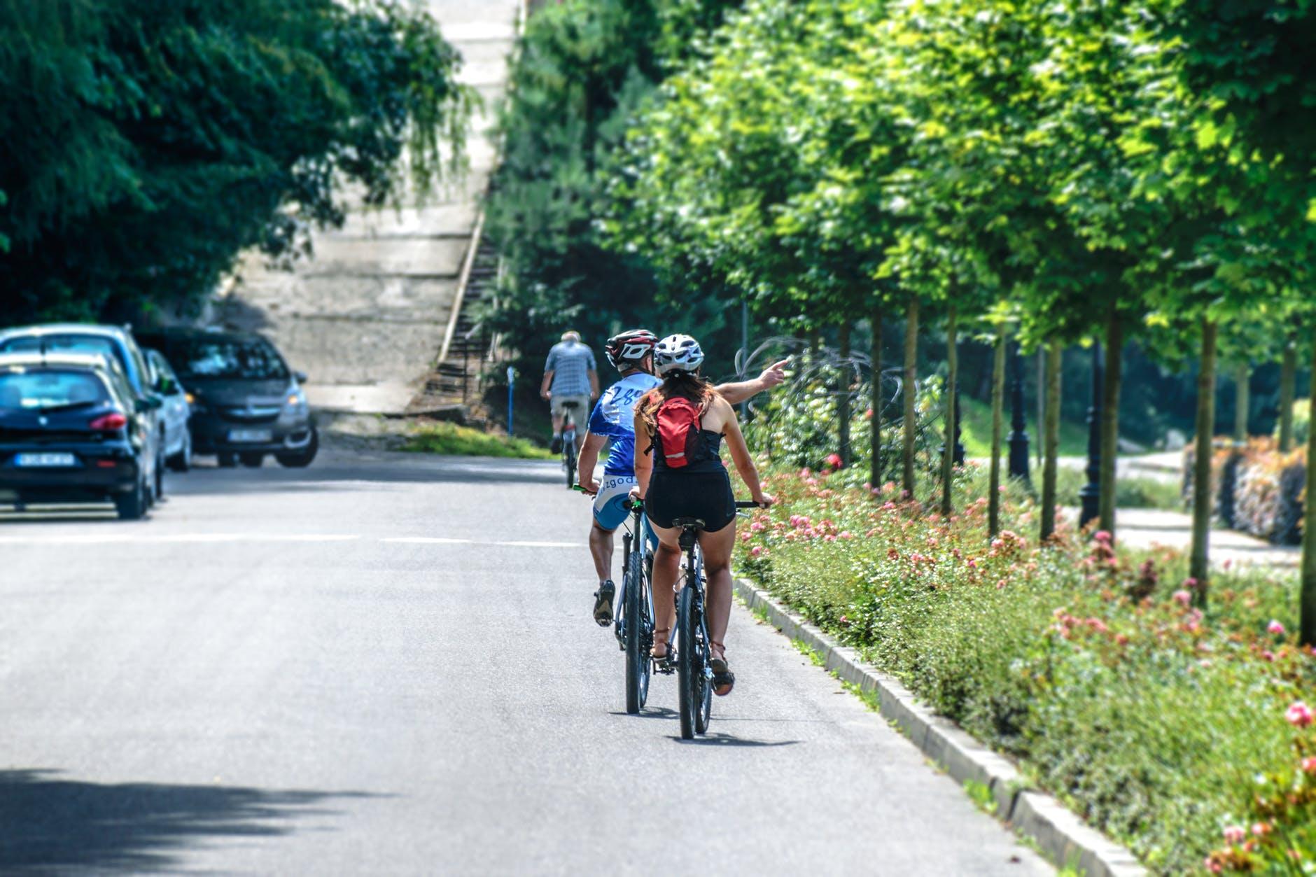 Jezdi férově: animované spoty učí cyklisty i řidiče ohleduplnosti