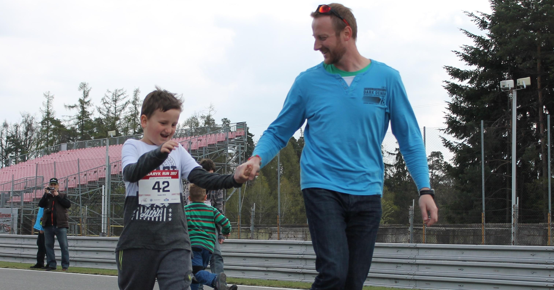 Pomocí běhu chci změnit předsudky vůči lidem s autismem, říká Radek Crha z Non Autos