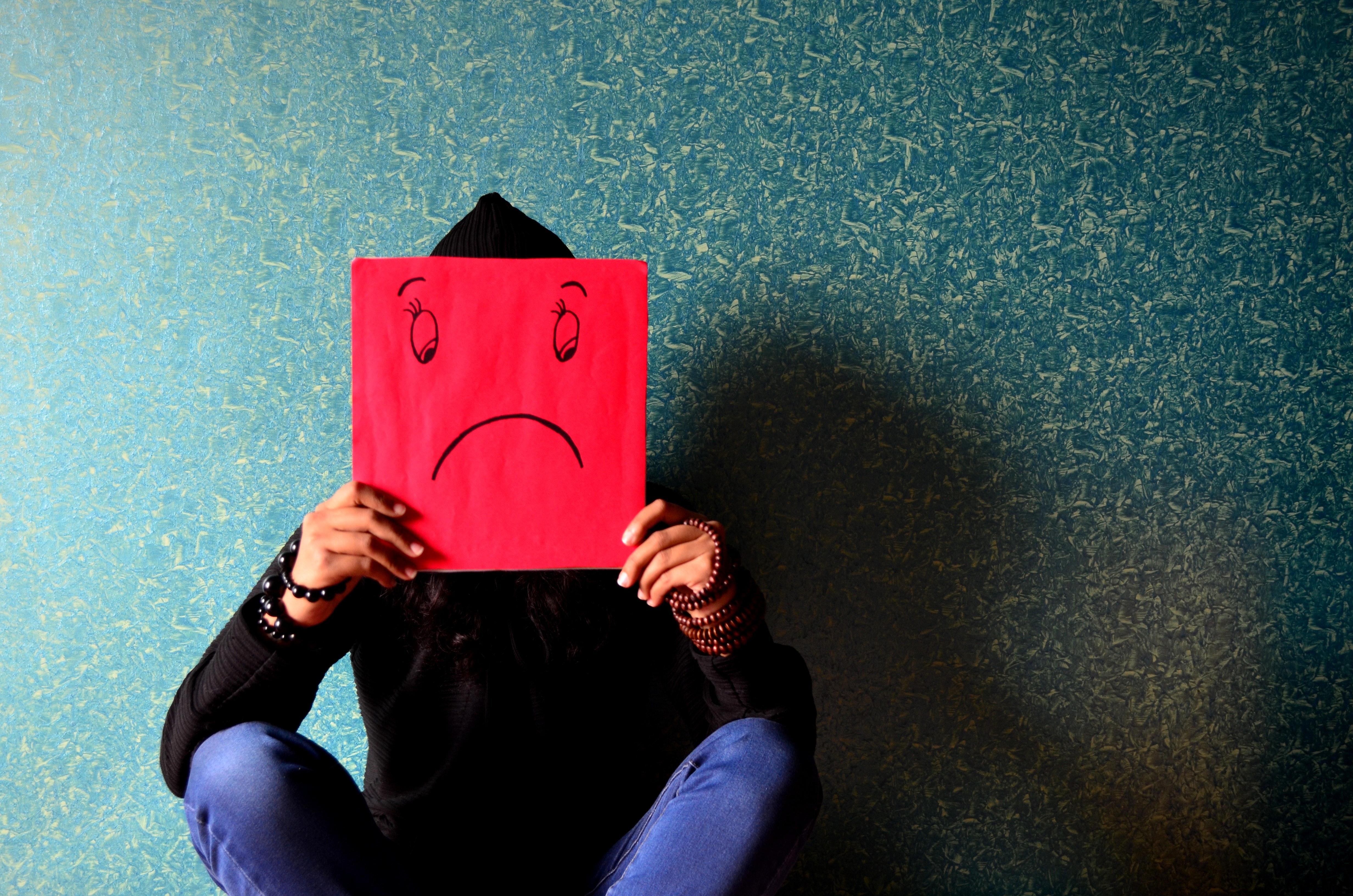 Léčba deprese u teenagerů může pozitivně ovlivnit duševní zdraví jejich rodičů, tvrdí studie