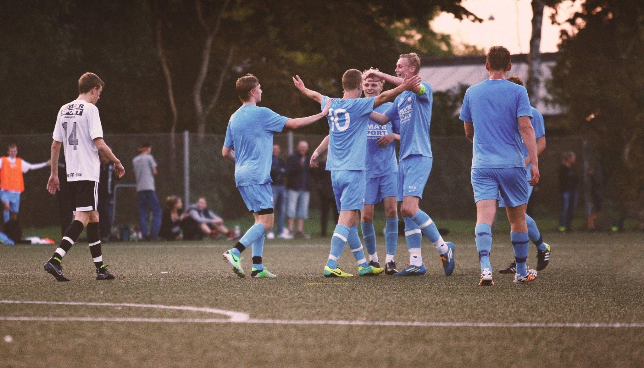 Mladým fotbalistům může s kariérou pomoct aplikace