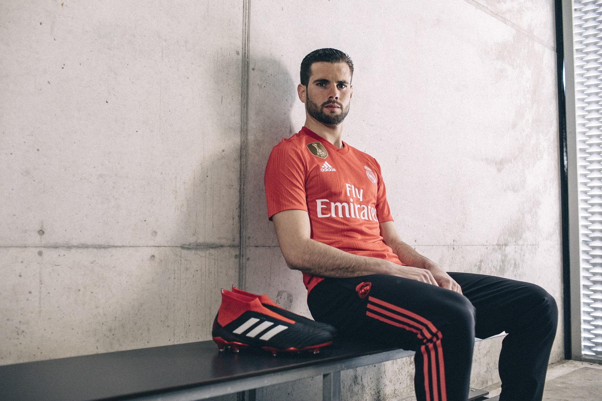 Přední fotbalové kluby používají dresy z mořských odpadků