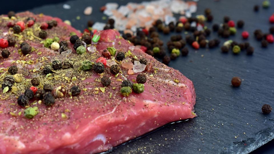 Spotřebitelé získají jistotu o původu masa díky speciálním kódům