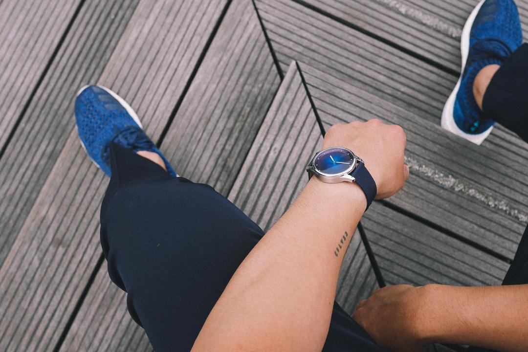 Ve Francii vyrobili udržitelné hodinky z recyklovaných materiálů