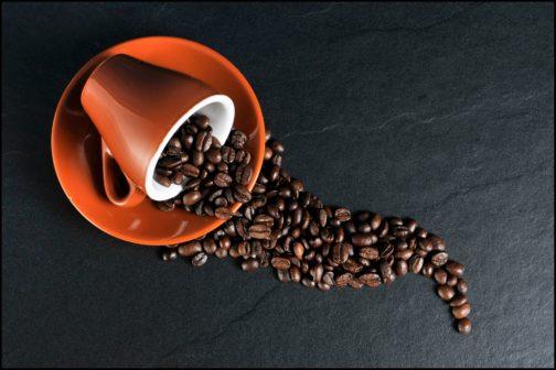 Káva se může přeměnit na elektřinu, zjistili vědci