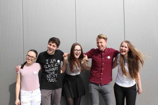 Čeští studenti spustili projekt na sdílený odvoz dětí do škol
