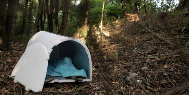 Polyetylenové Iglou ochrání lidi bez domova před umrznutím