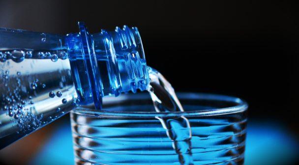 Pitná voda v EU má být kvalitnější a dostupnější