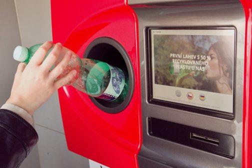 Vratné PET lahve dobývají Česko, první automaty prošly zkušebním provozem