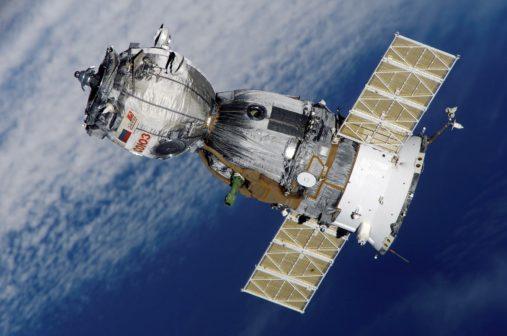 V Česku vzniká revoluční motor pro družice. Létá prakticky bez paliva, stačí mu vzduch