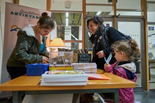 Charitativní antikvariát opět pomůže rodinám onkologicky nemocných dětí