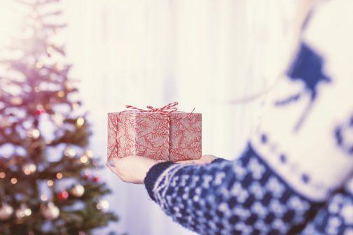 Chybí vám inspirace? Máme osm tipů na smysluplné vánoční dárky