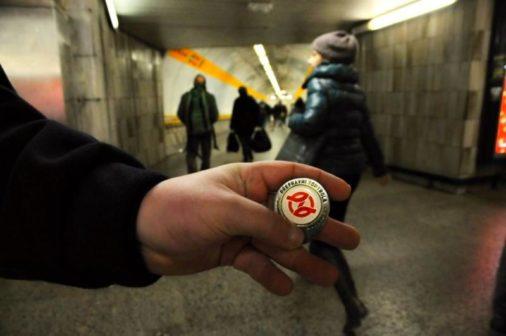 Počet černých pasažérů v Praze klesá, i díky pokutě za půlku
