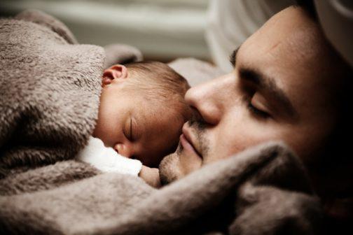 Rodiče předčasně narozených dětí nyní mohou žádat o radu odborníků online a zdarma