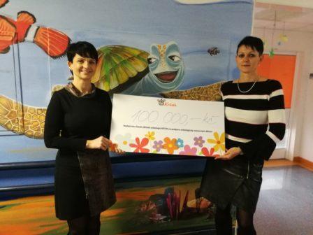 Výtěžek z kalendáře jihomoravských záchranářů pomůže nemocným dětem