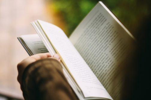 Kniha do vlaku čeká na své čtenáře už na více než stovce nádraží