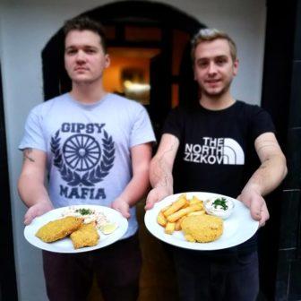Sociální bistro nabízí možnost předplatit oběd lidem v nouzi