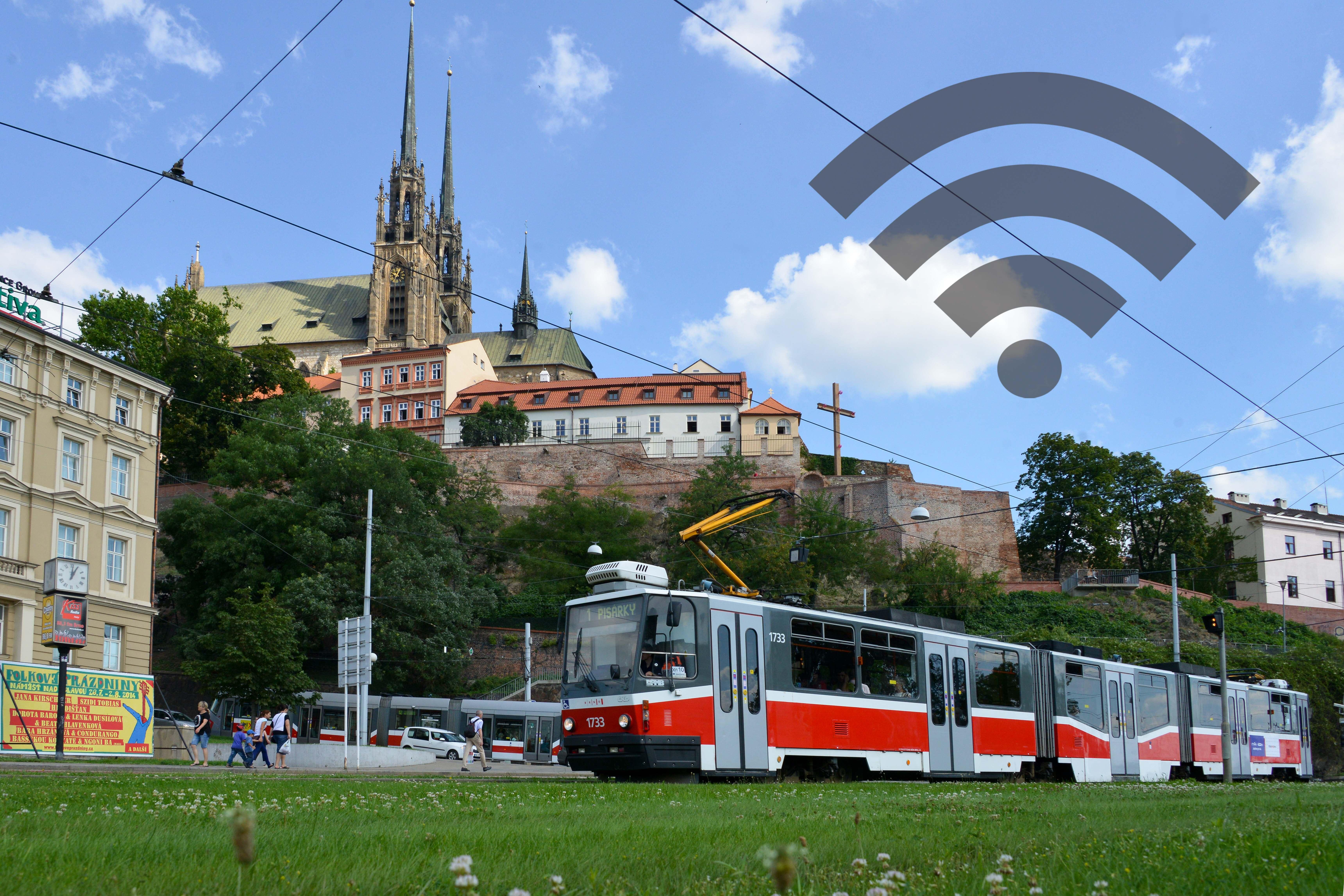 Cestující v brněnské MHD se od února připojí k internetu zdarma