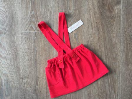 Slow fashion v českém podání. Nenošené oděvy přešívají matka s dcerou na dětské oblečení pod značkou Přešito