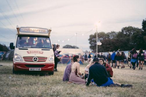Britský festival Glastonbury bude letos bez plastových lahví