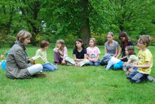 Měsíc školních zahrad motivuje učitele k venkovní výuce