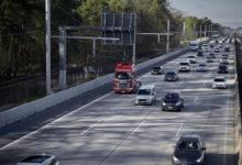 V Německu se mohou nákladní auta nově dobíjet rovnou za jízdy